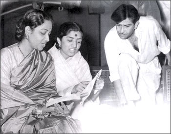 Geeta Dutt with Lata and Raj Kapoor