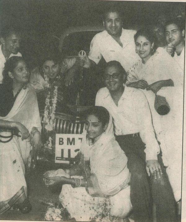 Guru and Geeta Dutt with Geeta Bali and Mohd Rafi and others