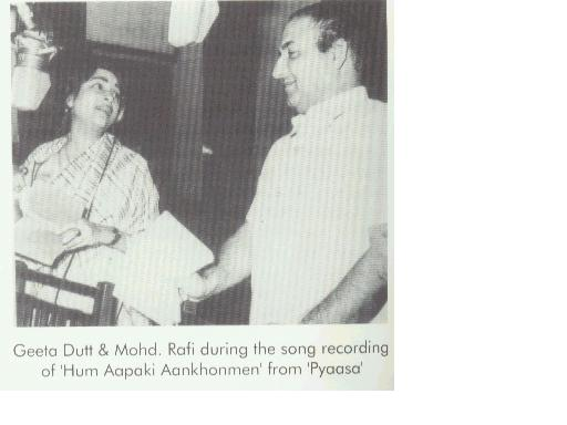 Geeta Dutt and Mohd Rafi during recording of duet from Pyaasa