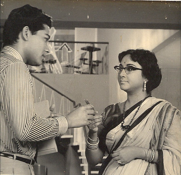 Geeta Dutt acting in Bengali film Badhu Baran